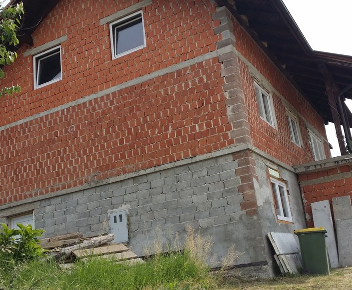 Fasada Šentvid pri Stični