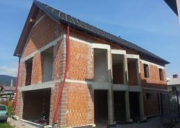 Fasada Vrhnika - prej